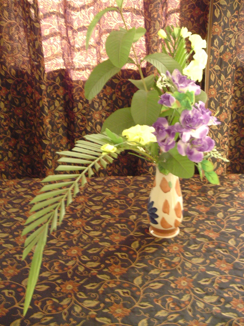 ikebana flower arrangement