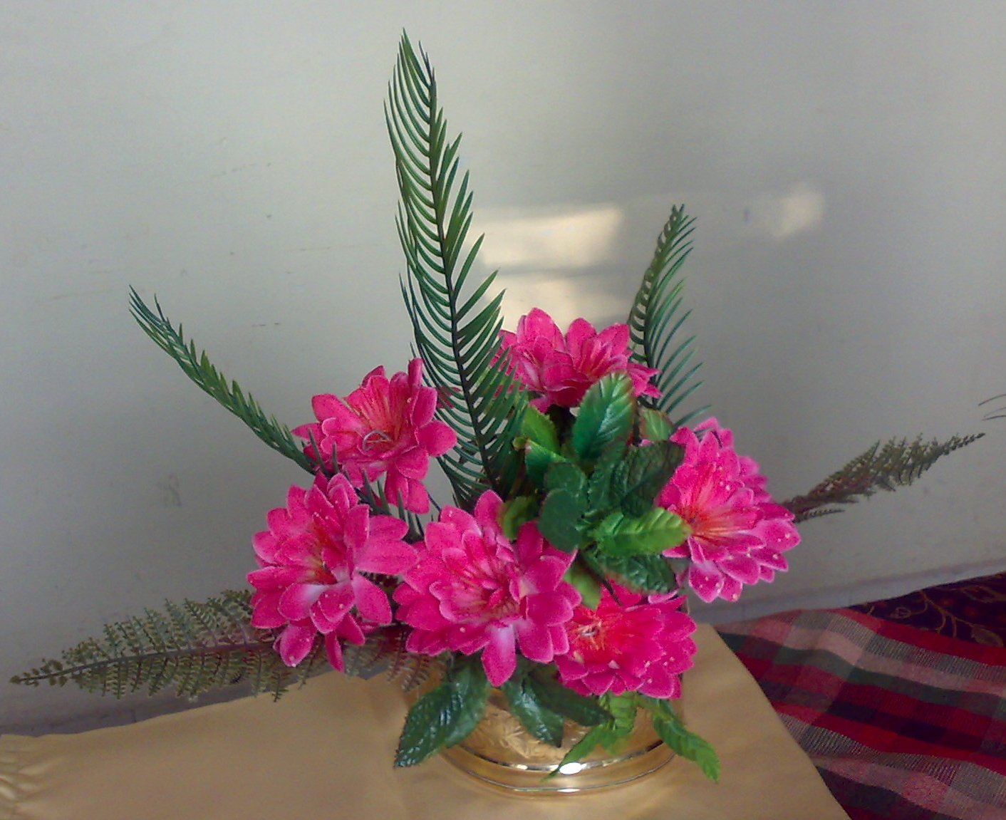 fan shaped flower arrangement