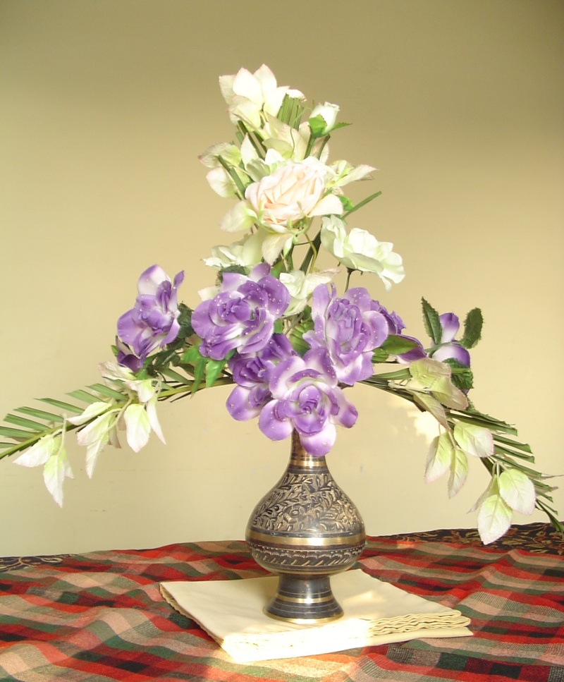 perpendicular flower arrangement
