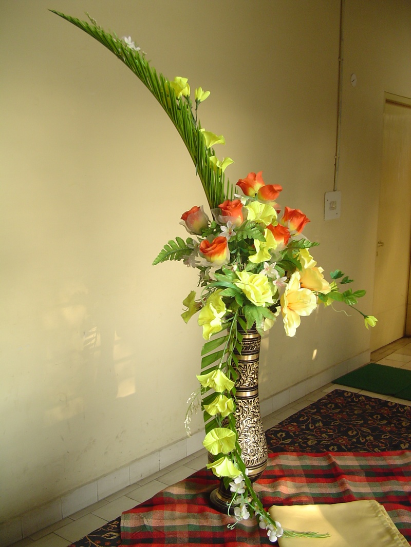 hogarth flower arrangement